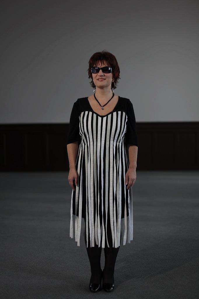 Silja mit dem Kleid der Modenschau