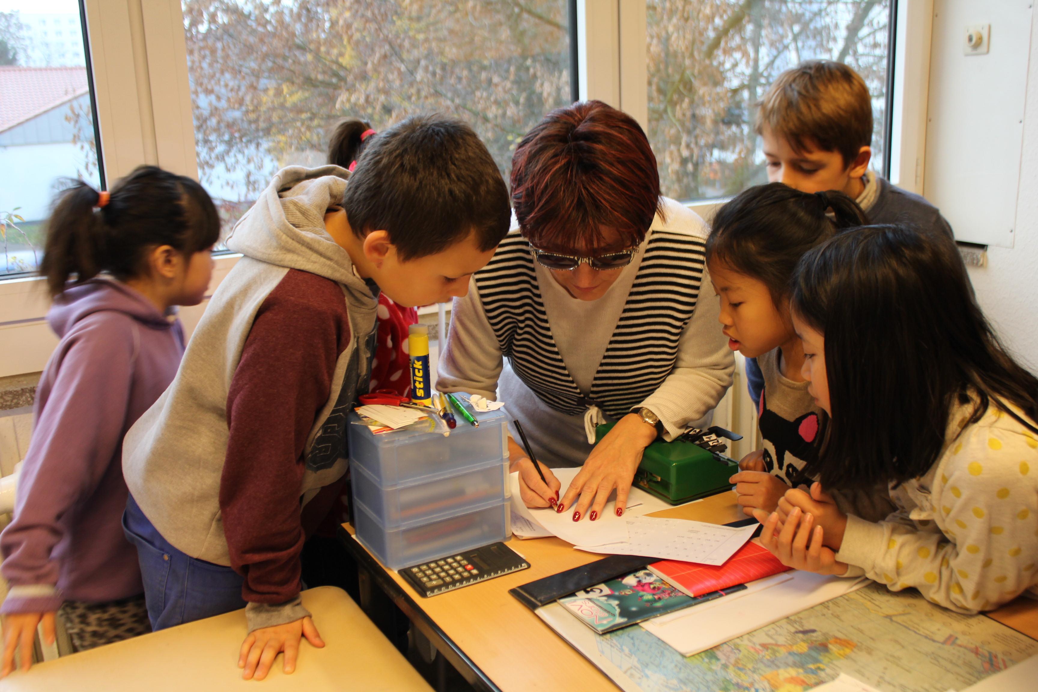Silja Korn bei der Lesung im  der Schule