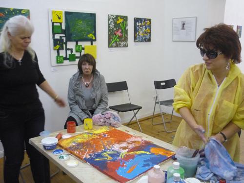 Gemeinsam gemaltes Bild von der Vernissage