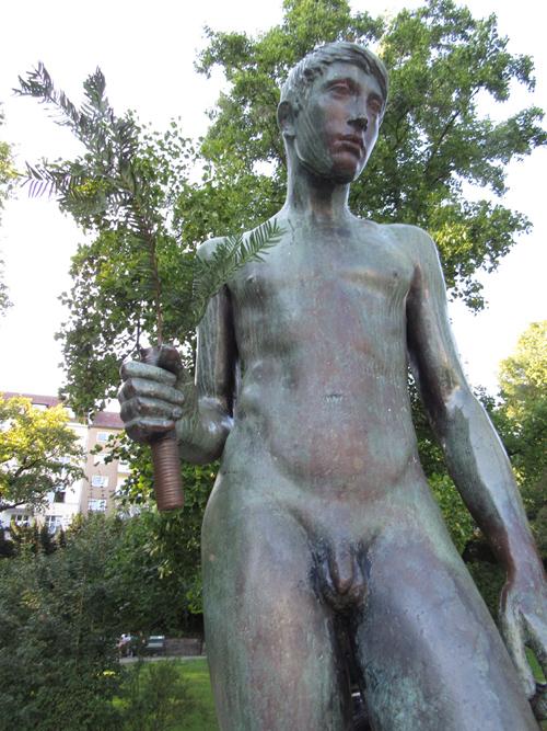 Statue im Lietzenseepark, Silja Korn