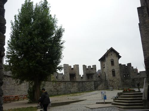 Silja Korn, Kloster in Gent