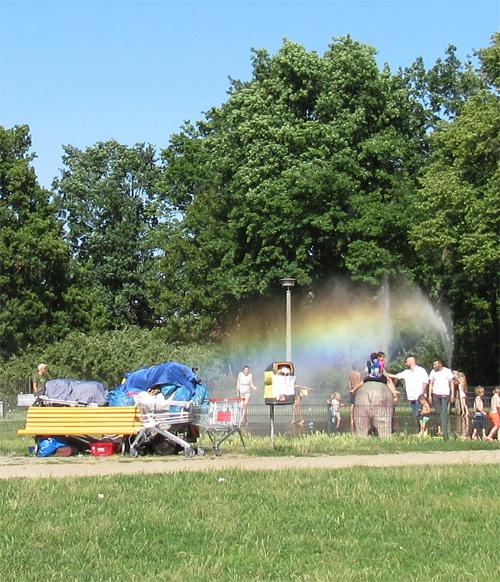 Silja Korn, Regenbogen am Springbrunnen