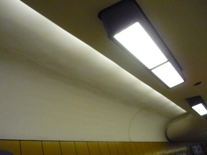 Decke im U Bahnhof