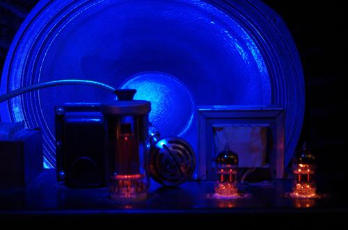 Röhrenverstärker mit Mikrofon, Lightpainting