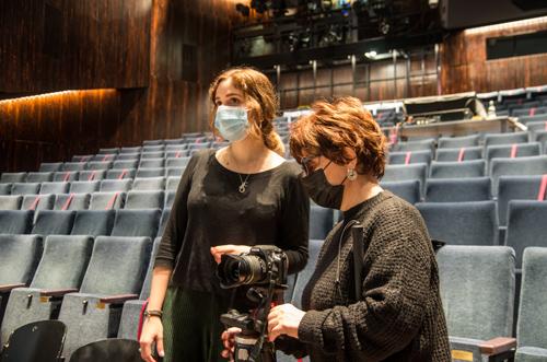 Silja Korn mit Anna Staiß im Schauspielhaus Bochum